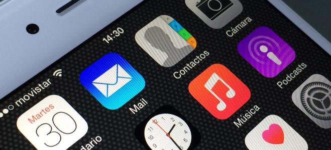 schermo smartphone con icone delle app - Trovareunlavoro.it